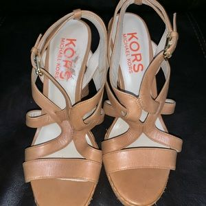 MiICHEAL KORS Leather strapping wedges 8.5